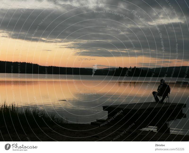 Geburtstag am Lisjön Einsamkeit Denken Sommerabend Lysvik Frykensee See Sandstrand Dämmerung Sonnenuntergang Reflexion & Spiegelung rot grau Steg Floß Camping