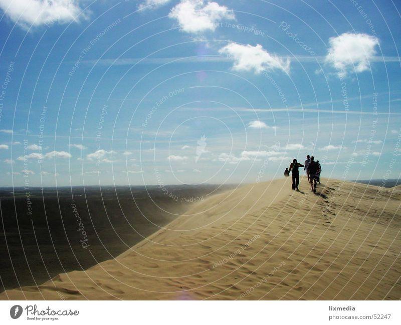 Sand im Land #1 Mensch Himmel Meer blau Wolken Sand Wind Wüste Stranddüne wehen Dänemark Sandverwehung Lønstrup