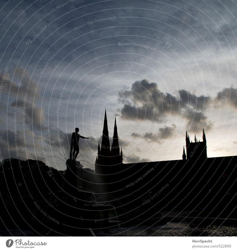 Archibald fountain & St. Mary Himmel Wolken Sydney Australien Stadt Altstadt Dom Dach Sehenswürdigkeit ästhetisch schön blau grau schwarz Dämmerung