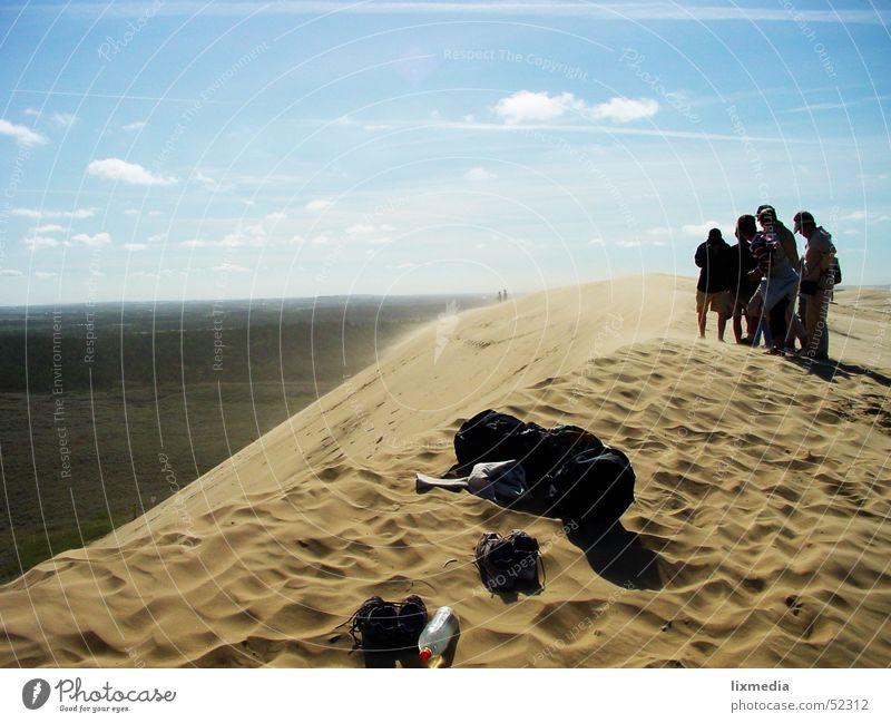 Sand im Land #2 Meer Lønstrup Sandverwehung Wolken Stranddüne Wüste Dänemark Wind wehen Himmel blau Mensch