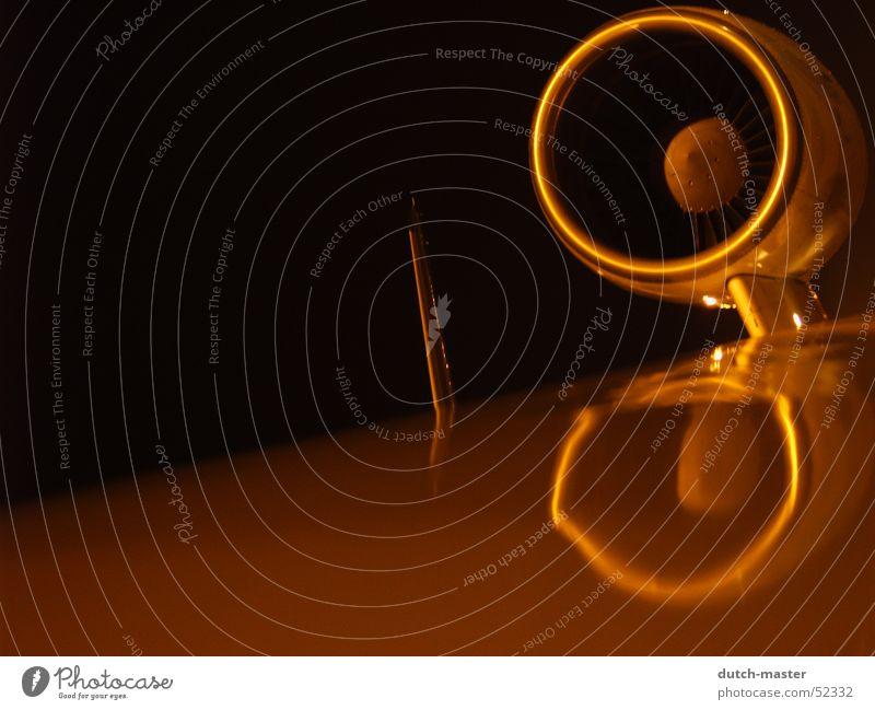 Pure Power Flugzeug Budapest Triebwerke Heck drehen Beginn Nacht dunkel Licht Reflexion & Spiegelung Pelikan Oberkörper Kreisel Düsenflugzeug Paddel Flügel