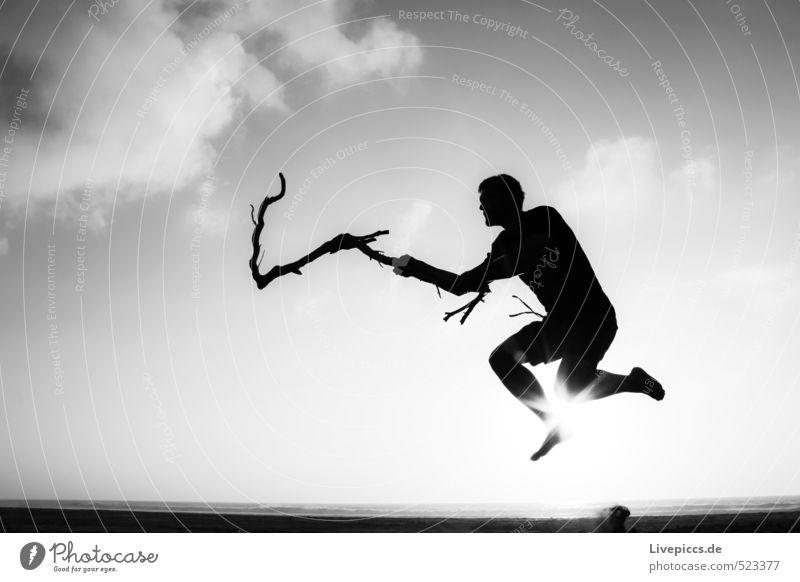 Dännit4 Ferien & Urlaub & Reisen Sommer Sommerurlaub Sonne Mensch maskulin Junger Mann Jugendliche Körper 30-45 Jahre Erwachsene Küste Strand Meer springen grau