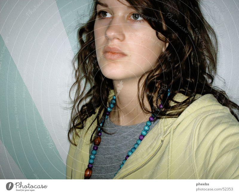 nachdenken, nachdenken,... Porträt Gedanke träumen grün Gesicht Haare & Frisuren Locken Kette