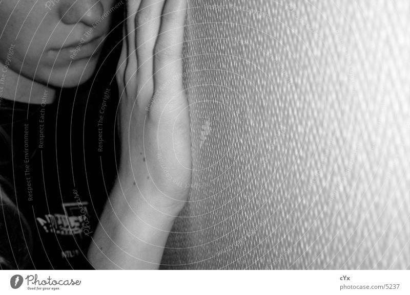 Grenze Hand Wand Detailaufnahme Schwarzweißfoto