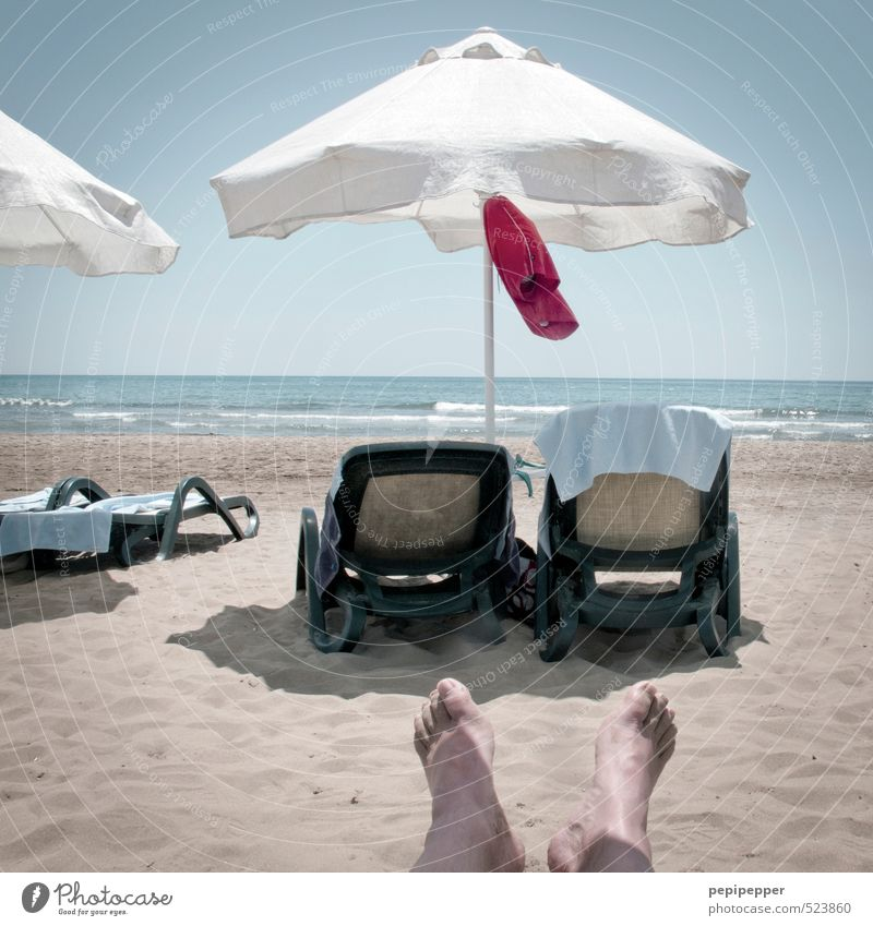 windhose Ferien & Urlaub & Reisen Sommer Meer Strand Küste Schwimmen & Baden Fuß Freizeit & Hobby maskulin Wellen Tourismus Schönes Wetter Sonnenbad Fahne Wolkenloser Himmel Sommerurlaub