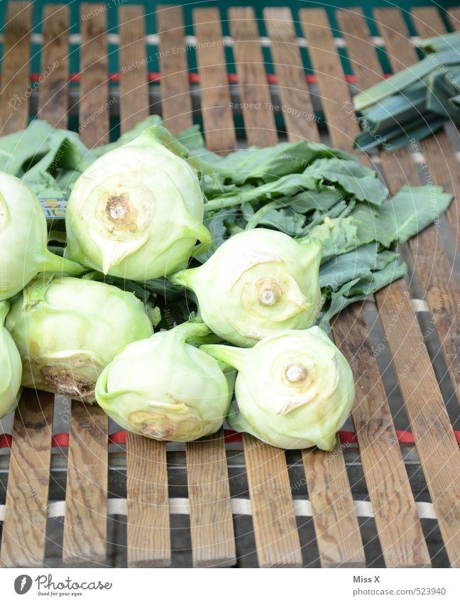 Kohlrabi grün Gesundheit Lebensmittel frisch Ernährung kaufen Gemüse Ernte lecker Bioprodukte Diät Vegetarische Ernährung Marktstand Kohlgewächse Gemüsehändler
