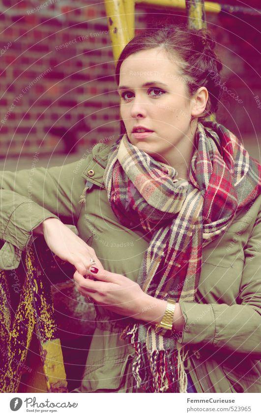 Autumnal Woman (X). Mensch Frau Jugendliche schön Junge Frau ruhig 18-30 Jahre Erwachsene feminin Herbst Stil Mode Freizeit & Hobby gold Lifestyle Körperhaltung