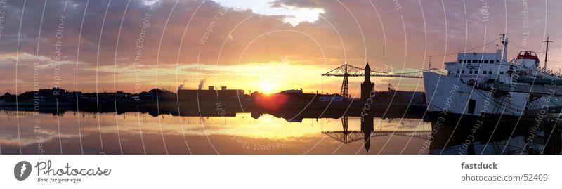Gold Coast North England Panorama Wasser blau gelb Wasserfahrzeug groß Hafen Panorama (Bildformat) Großbritannien Middlesbrough