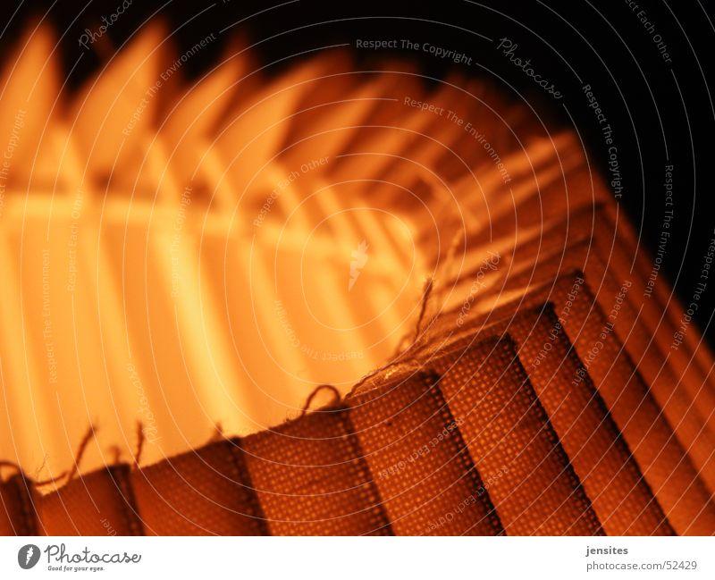 hotel Licht Physik Lampe rot gelb schwarz rund Halbkreis Wohnung Nacht dunkel streben abstrakt Wärme Zacken Strukturen & Formen Kreis Raum light warmth red
