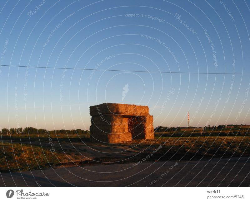 7 Uhr Morgens 2 Landschaft Stimmung Stroh Strohhütte