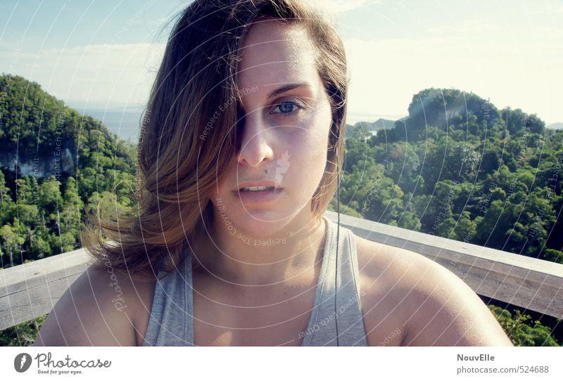 Iconic. Mensch Frau Himmel Natur Jugendliche Sommer Sonne Meer Baum Landschaft Junge Frau Wolken 18-30 Jahre Wald Erwachsene Leben