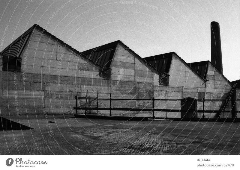 fabrik Stadt industriell Stoff industrial exterior fabric Schwarzweißfoto tecnology landscape works von außen(äußere) schwarz und weiß Landschaft