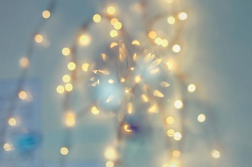 Lichtern elegant Feste & Feiern Weihnachten & Advent Silvester u. Neujahr blau Lichterkette Stimmung Kugel Schweben Farbfoto Innenaufnahme Studioaufnahme