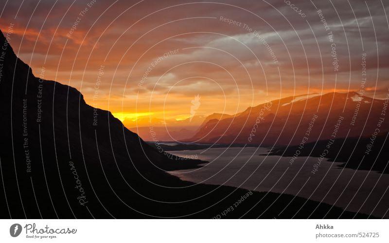 301 Landschaft Himmel Sonnenaufgang Sonnenuntergang Wetter Berge u. Gebirge außergewöhnlich gigantisch orange schwarz Romantik Begierde Hoffnung Abenteuer