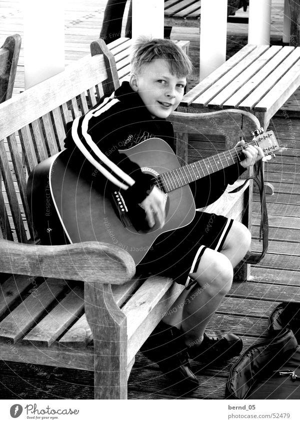 Hey Joe Junge Musik Gitarre talentiert Kind Straßenmusiker