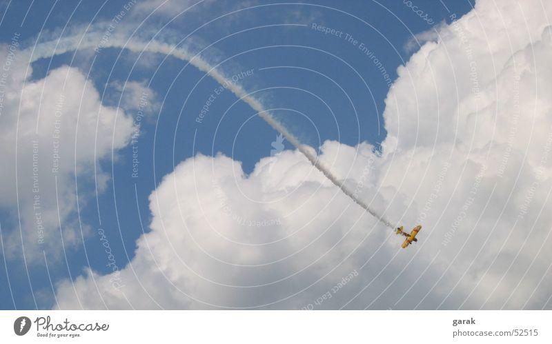 aero.batics Flugzeug Kunstflug Flugschau Himmel aerobatics fliegen