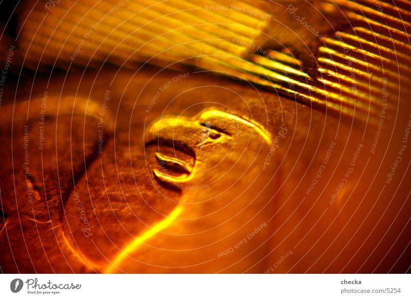 Adler Geld Kapitalwirtschaft Börse Geldinstitut Reichtum Geldmünzen Dinge Euro Stern (Symbol) Finanzamt Bank Kapitalismus Makroaufnahme