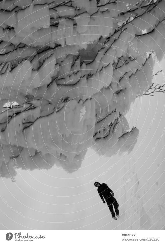 Schneefall Mensch Natur Ferien & Urlaub & Reisen Mann weiß Baum Landschaft Winter Erwachsene kalt Berge u. Gebirge Schnee grau springen Schneefall Eis