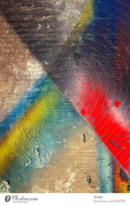 ungewollt kreativ Farbe Graffiti Farbstoff Holz authentisch ästhetisch einzigartig Kreativität trashig positiv frech Inspiration Arbeitsplatz Subkultur