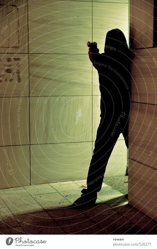gangster Mensch Mann Erwachsene dunkel Angst maskulin gefährlich bedrohlich Ecke Gewalt Konflikt & Streit Aggression Kapuze Kriminalität Hass Waffe