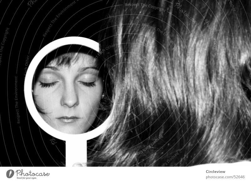 Im Spiegel #3 Frau Reflexion & Spiegelung schwarz weiß Mensch Porträt Haare & Frisuren Gesicht Kopf Schwarzweißfoto Schatten woman mirror hair face head humans