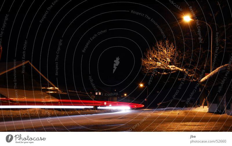 Langzeit again weiß Baum rot Winter Straße dunkel Geschwindigkeit Ast Straßenbeleuchtung