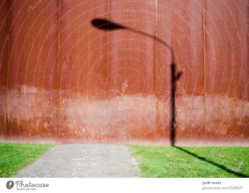 Laternenlicht am Tag Sehenswürdigkeit Denkmal Berliner Mauer Wege & Pfade außergewöhnlich Vergangenheit Zeit Schattenspiel DDR Todesstreifen Graffiti Illusion