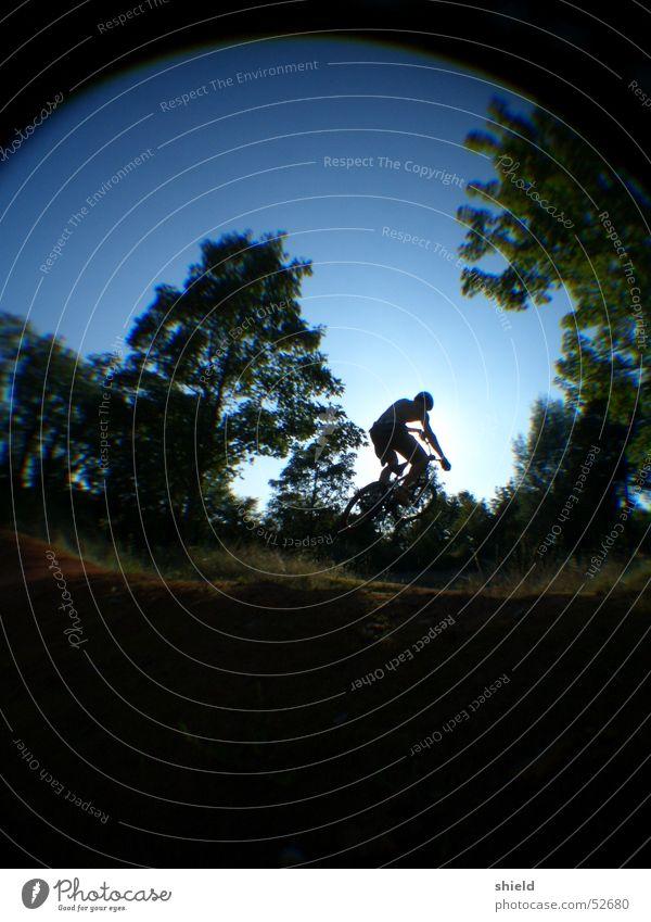 dirtbiker Fischauge springen BMX Mountainbiking