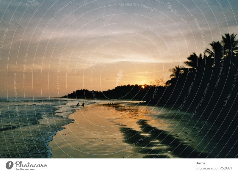 Sonnenuntergang am Pazifikstrand in Costa Rica Strand