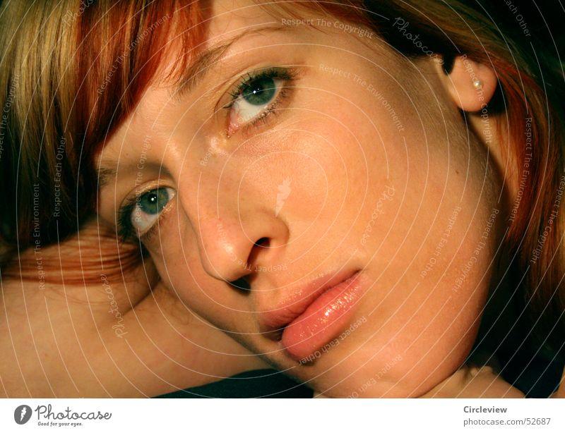 Wie ein Moment Frau Gesicht Auge Haare & Frisuren Kopf Mund Nase Ohr Sehnsucht Ohrringe