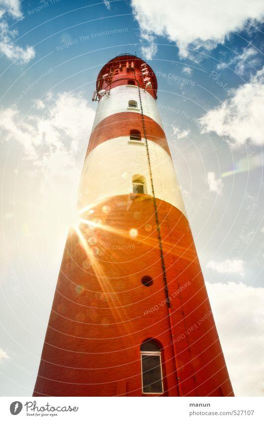 Leucht-Turm Ferien & Urlaub & Reisen Tourismus Nordsee Nordseeinsel Leuchtturm Sehenswürdigkeit leuchten Farbfoto Außenaufnahme Menschenleer Tag Licht Schatten