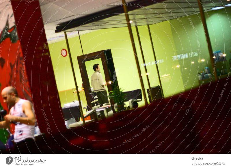 friseur #2 diagonal Schaufenster Haare schneiden Dienstleistungsgewerbe Friseur Ladengeschäft interior Innenarchitektur Häusliches Leben Raum Farbe mehrfarbig