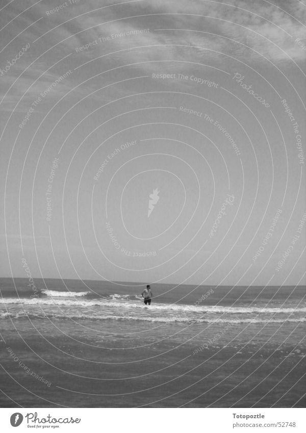 Allein weit und breit. Wasser Strand Einsamkeit Wellen Mexiko Veracruz