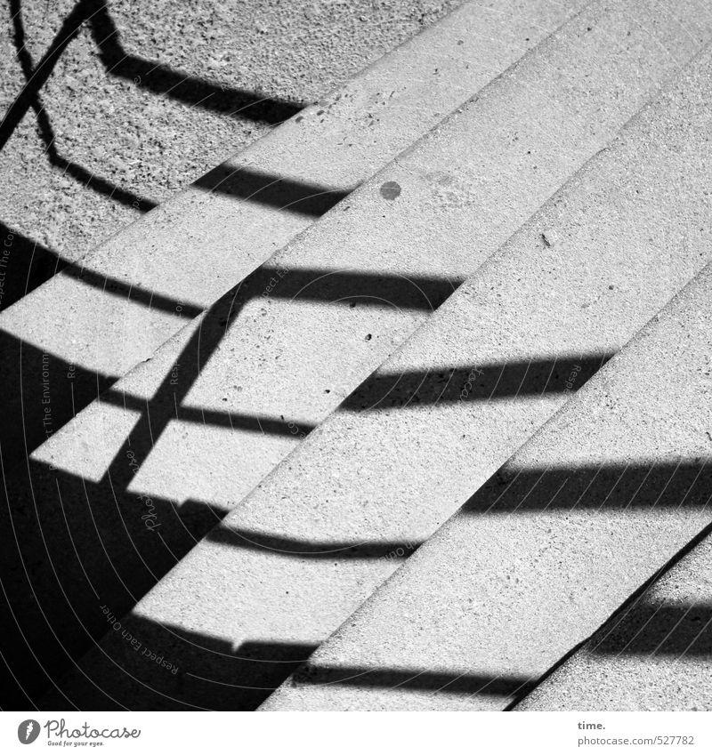 Treppe zum Meer Treppengeländer Schatten Schattenspiel ästhetisch Partnerschaft Design Gelassenheit Idylle Inspiration Ordnung Ferne ruhig