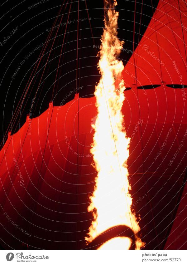 feuer und flamme Ballone Gosau kalt Nacht Brand Flamme Abend