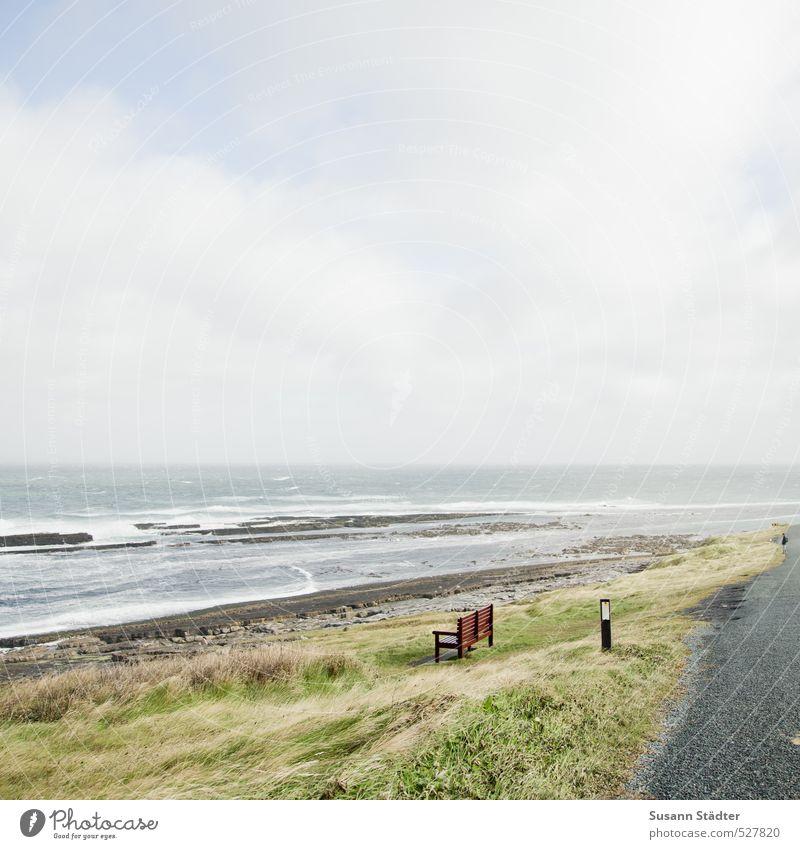 Bank mit Aussicht Natur Einsamkeit Wolken Wiese Küste Freiheit Wellen beobachten Atlantik Republik Irland