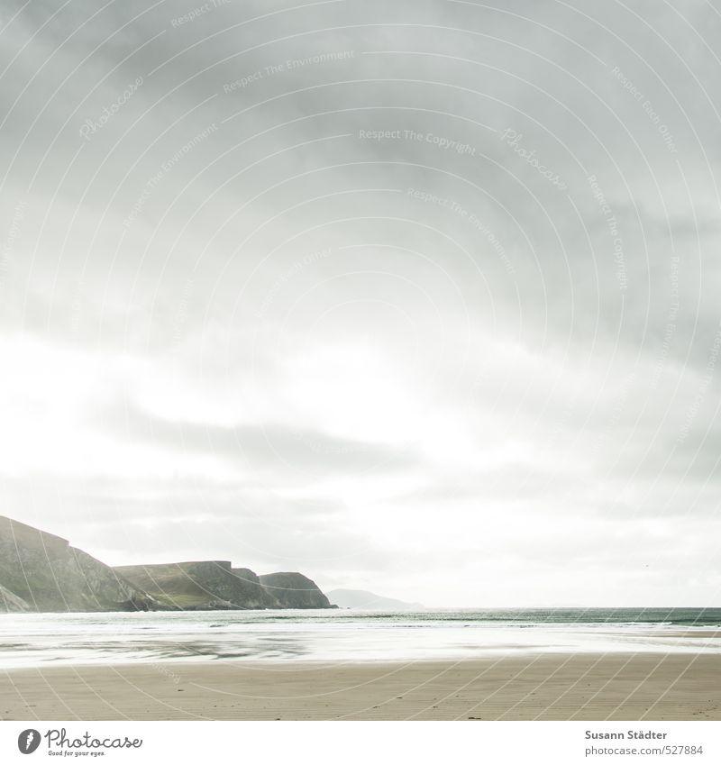 herzensland Natur Landschaft Wolken Hügel Felsen Berge u. Gebirge Wellen Küste Bucht Meer außergewöhnlich weich Zufriedenheit Weisheit Hoffnung Fernweh