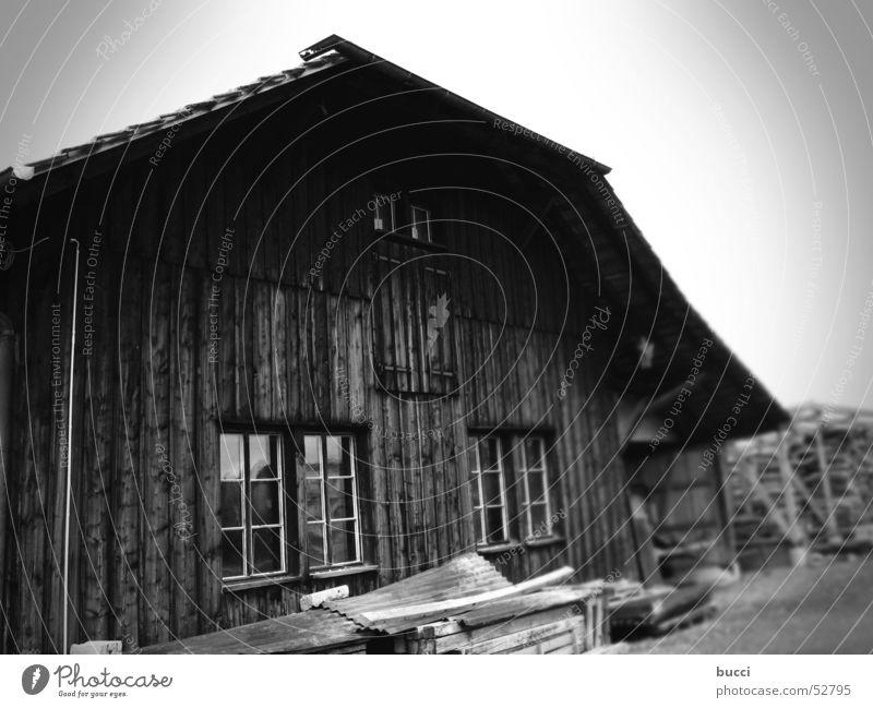 SW_2 alt Haus Armut Bauernhof