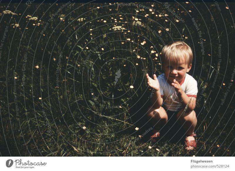 Wenn du glücklich bist dann... Mensch Kind Pflanze Freude Gefühle Gras Spielen Glück Gesundheit Freizeit & Hobby Lifestyle Kindheit T-Shirt Kleinkind Kindergarten DDR