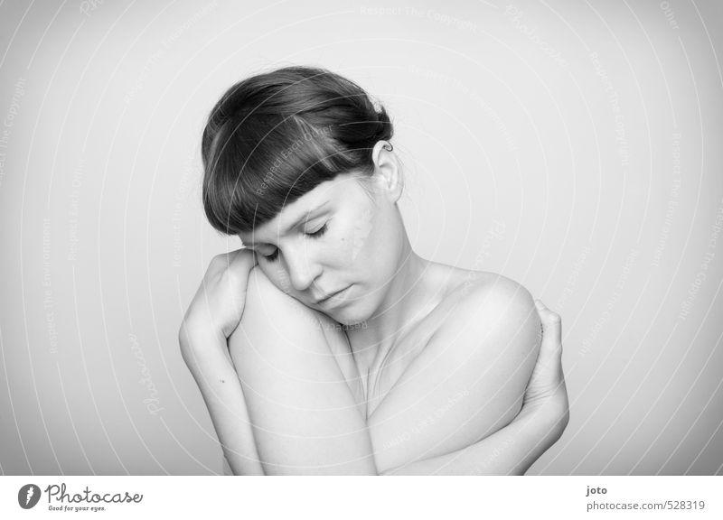 umhüllt schön Körperpflege Haut Gesundheit Wellness harmonisch Wohlgefühl Zufriedenheit Sinnesorgane Erholung ruhig Frau Erwachsene Umarmen Erotik feminin