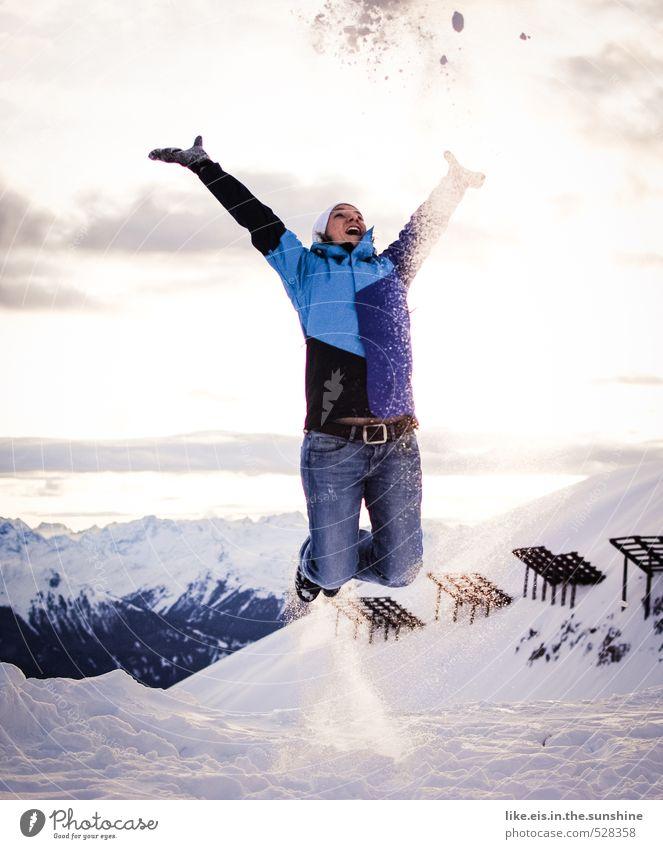 winterfreuden Frau Ferien & Urlaub & Reisen Jugendliche Landschaft Junge Frau Freude Winter Ferne Erwachsene Berge u. Gebirge Leben Schnee feminin Freiheit
