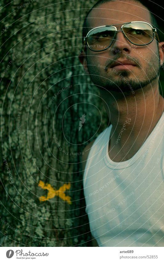 Dr. Gazze Baum Bart Sonnenbrille Unterhemd Südamerikaner Spanier