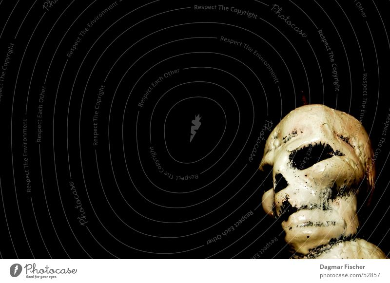 Uuuuuah! Halloween Mensch Kopf Punk Kerze bedrohlich gruselig schwarz weiß Trauer Tod Angst gefährlich Verzweiflung Skelett Grab Friedhof Handzettel Pirat