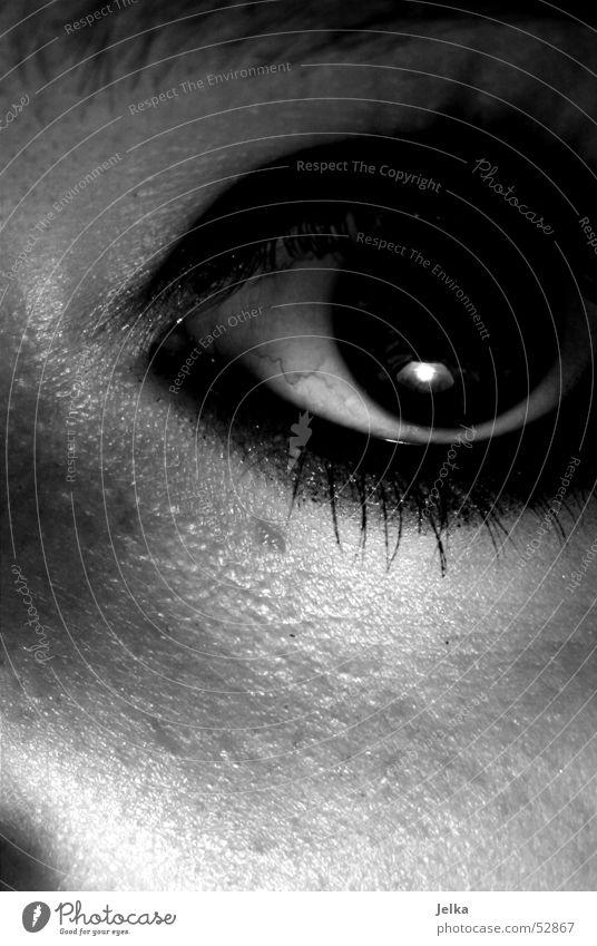eins-zwei-drei schwarz Auge dunkel Haut beobachten gruselig Wimpern Pupille geschminkt Frauenaugen