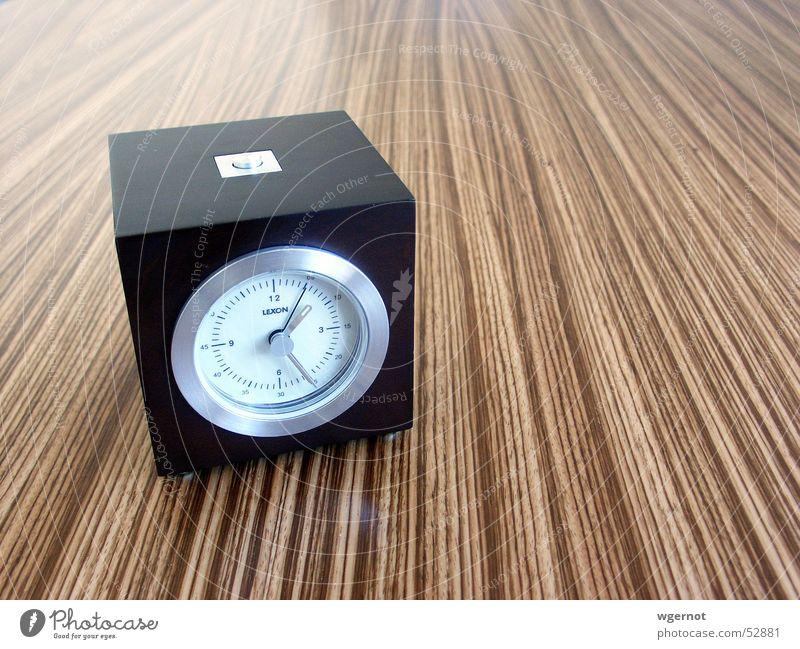 Wecker Holz Linie Zeit Uhr Design Termin & Datum Brettwurzelbaum verschlafen Verspätung