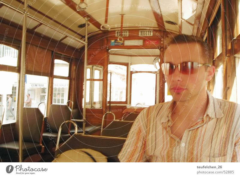 Retro alt modern Coolness retro Sonnenbrille Portugal Straßenbahn Lissabon