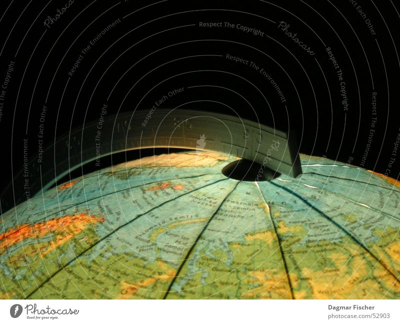 Ein Stück Welt Wasser blau grün Ferien & Urlaub & Reisen Meer schwarz Umwelt Erde lernen Bildung Frieden Information Länder Kugel Amerika Krieg