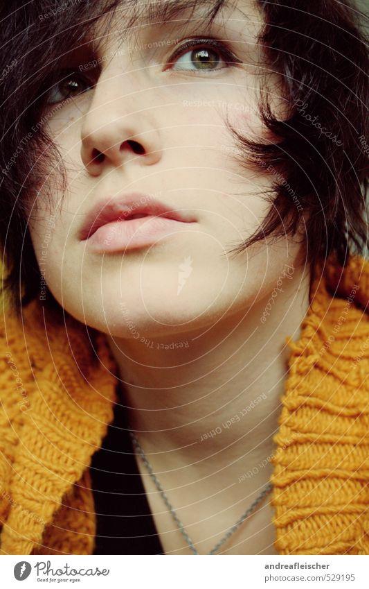 Selfie. feminin Junge Frau Jugendliche 1 Mensch 18-30 Jahre Erwachsene Pullover kurzhaarig vernünftig zart Entschlossenheit verträumt Zukunftstraum Strickjacke