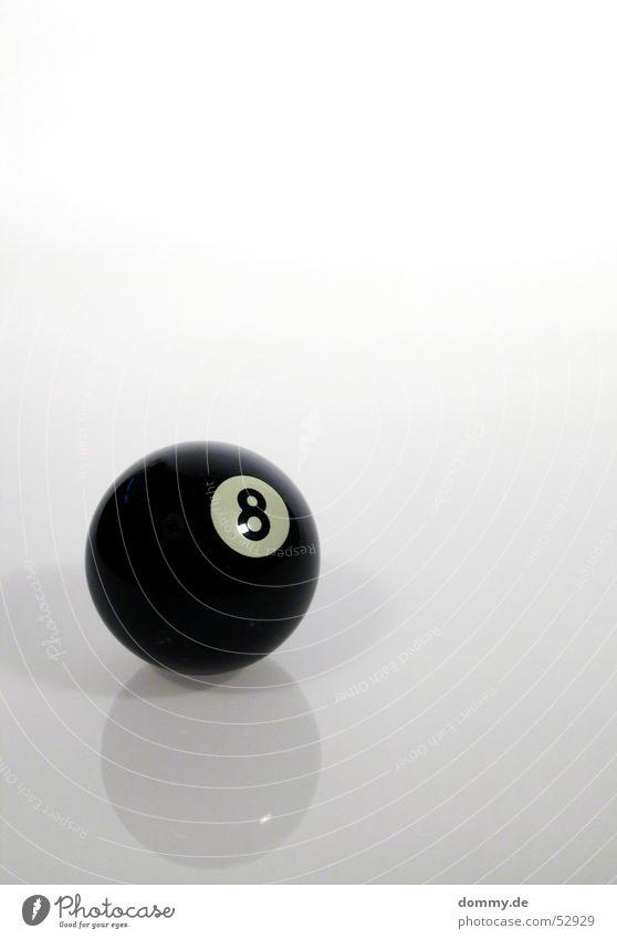 8-Ball rund schwarz Billard weiß grau Spielen Ziffern & Zahlen spieglung Schatten