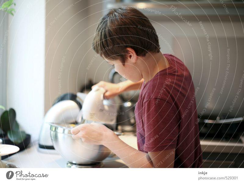 Hausarbeit | Kuchen backen Mensch Kind Jugendliche Leben Gefühle Junge Freizeit & Hobby Häusliches Leben Kindheit Lifestyle Ernährung Kochen & Garen & Backen Hilfsbereitschaft Küche 8-13 Jahre machen